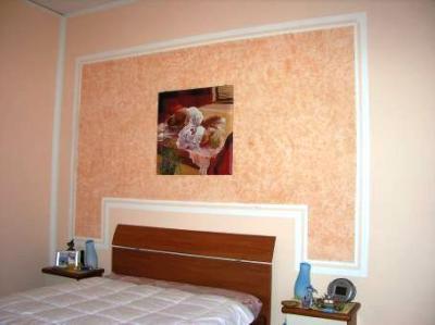 Idee per pitturare casa la pittura effetto spugnato - Pittura decorativa pareti ...