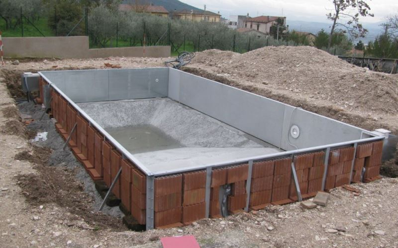 Permessi per costruire una piscina interrata e - Costo piscina interrata ...