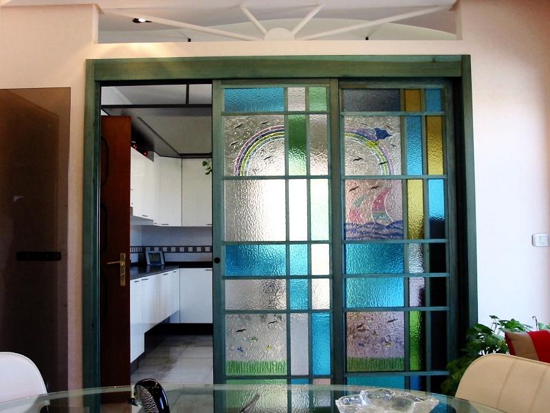 Vetri colorati artistici per porte e finestre scorrevoli o - Finestre scorrevoli in vetro ...